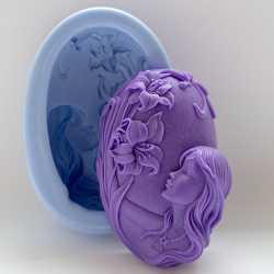 Silikónová forma na mydlo dievča s kvetinou