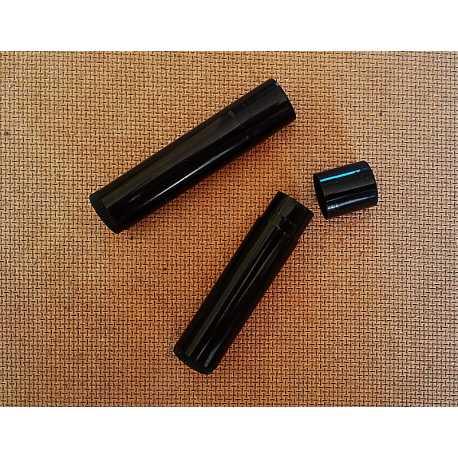 Vysúvacia tuba na balzám na pery - čierna