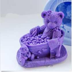 Silikónová forma na mydlo 3D medvedí kúpeľ