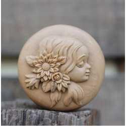 Silikónová forma na mydlo dievča III.