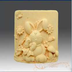 Silikónová forma na mydlo veselý králiček