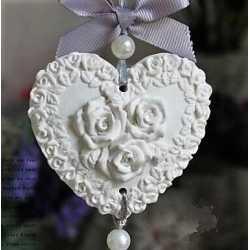 Silikónová forma na závesnú dekoráciu srdce s ružami
