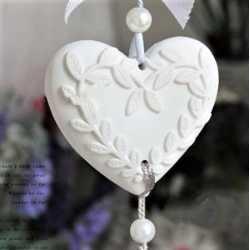 Silikónová forma na závesnú dekoráciu srdce s lístkami